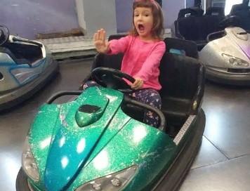 Çocuk Çarpışan Araba **